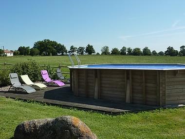 L'ivronnière-piscine.jpg