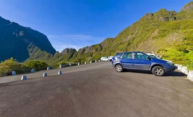 Parking gardé du col des Boeufs