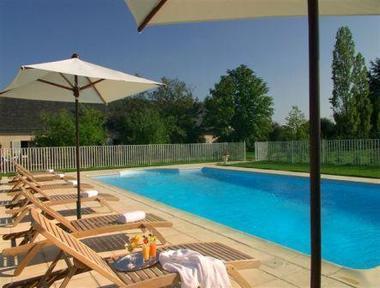 piscine au Fleuray Hôtel à Cangey dans la Val de Loire