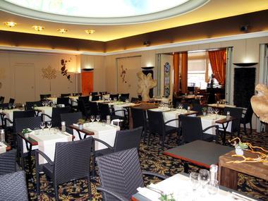 Valenciennes-Gd-hôtel-restaurant-2.jpg