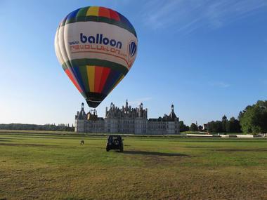 Décollage de montgolfière à Chambord avec BalloonRevolution - EvenementCiel