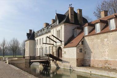 Pont Levis château DSB (2).JPG