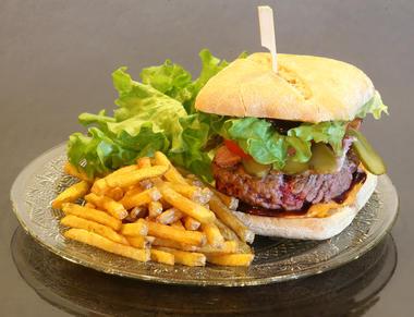 Le burger du Chapeau (2).jpg