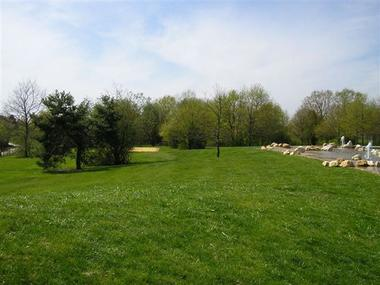 Espace vert de La Baignade Naturelle du Pays de Chambord à Mont-près-Chambord