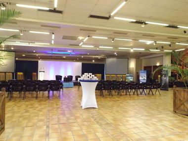 Salle de Conférences - petit Séminaire.jpg