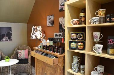 Etagère+armoire à thé.jpg