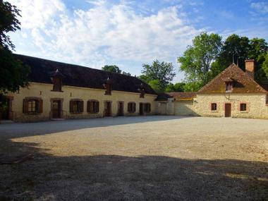Gîte du Château de Vaux - Vue Cour