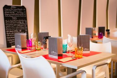 Orphéo-santarelli-tables.jpg