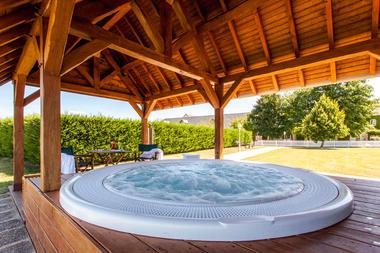 Jacuzz iauFleuray Hôtel à Cangey dans la Val de Loire