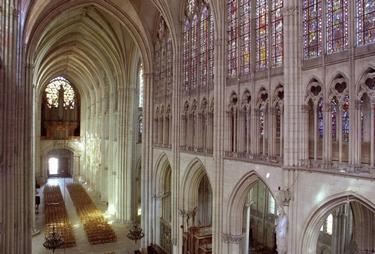 cathédrale grande nef D le Nevé OT Troyes