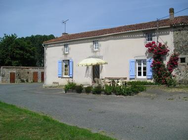 Meublé Le Breuil Bernard - M. Faucon 4.jpg