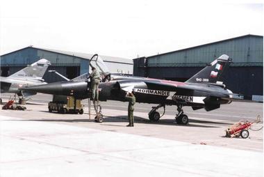 Mirage F1 C peint en noir.jpg