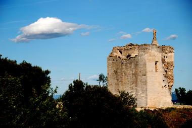 Tour de la Madone à Bellegarde 001.jpg