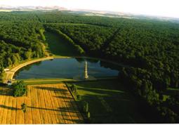 Vue aérienne de la Pagode de Chanteloup à Amboise