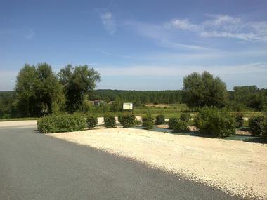 Aire de stationnement de Fontaines en Sologne