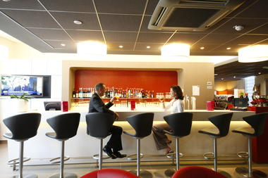 Valenciennes-Mercure-bar2.jpg