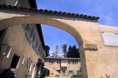 Château Mourgues Grès4.jpg