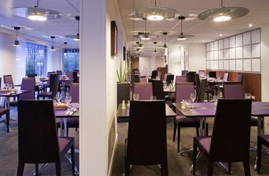 Valenciennes-Novotel-salle-de-restaurant.jpg