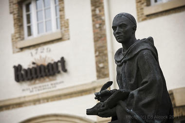 Statue Dom Ruinart.JPG