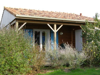 Pescalis,chalet arbustes.jpg