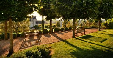 9.9.2-Jardin-.-Château-d'Amboise-©-L.-De-Serres.jpg