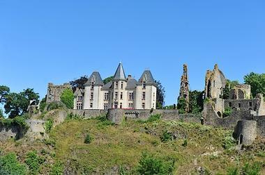 chateau Bressuire2_internet.jpg