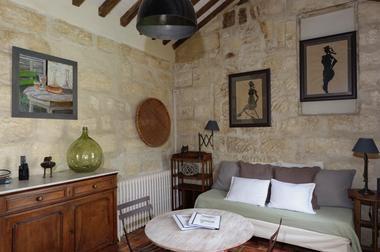 Appartement MANON salon 1 - DOMAINE DES  CLOS.jpg