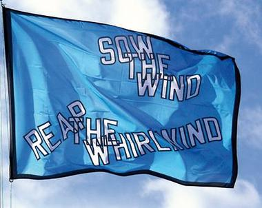 drapeau-lawrence-weiner-2014-edition-du-grand-large-342.jpg