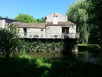 La Maison du Meunier -vue sur balcon - internet.jpg