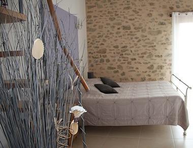 breuil-chaussée-les-pierres-dantan-chambre-mauve3-SIT.jpg