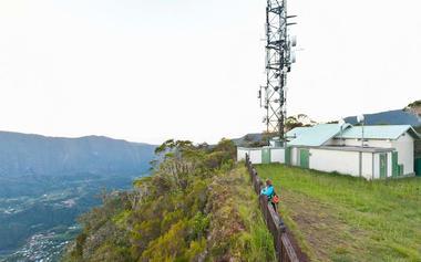 Les antennes relais où débute le vrai sentier
