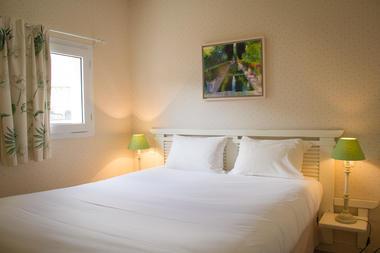 hotel restaurant l'ermitage +á saulges - laval - sable sur sarthe - logis de france - vaiges - maitres restaurateur - a81 - chambre junior suite (14).jpg