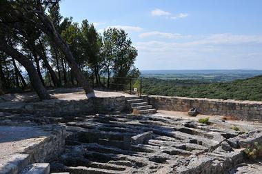Abbaye de Saint Roman4.jpg