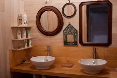 8. salle d'eau.jpg