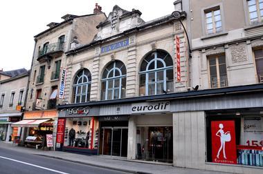 rue de gaulle1.JPG