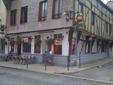 Gainz Bar - Façade.JPG