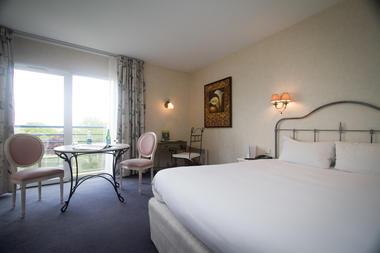 hotel restaurant l'ermitage +á saulges - laval - sable sur sarthe - logis de france - vaiges - maitres restaurateur - a81 - chambre privil+¿ge (7).jpg