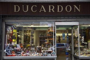 ducardon-vitrine9-mons.jpg