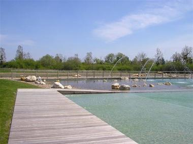 Bassin de La Baignade Naturelle du Pays de Chambord à Mont-près-Chambord