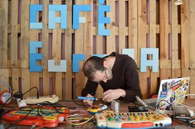 repaircafe_cafeeuropa_c_dr.jpg