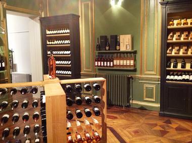 hotel-particulier-valenciennes-boutique-vin-02.JPG