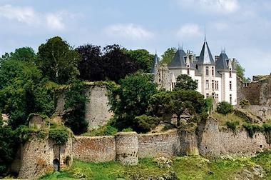 chateau-bressuire-1-internet.jpg