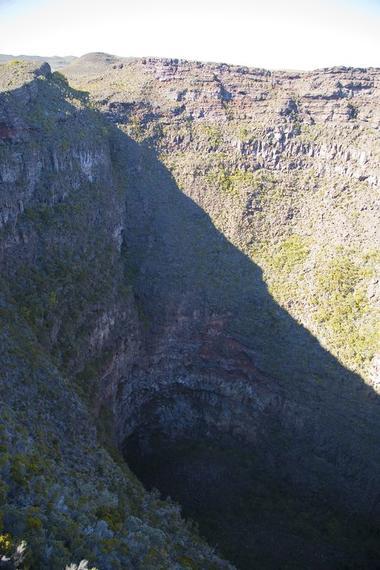 Piton de la Fournaise (Pas de Bellecombe-Cratère Dolomieu)-4.jpg