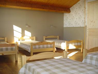 Dortoir et lits individuels