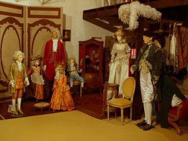 Collection Tourisme Gers/Musée de l'Histoire du Costume/M. Blancard