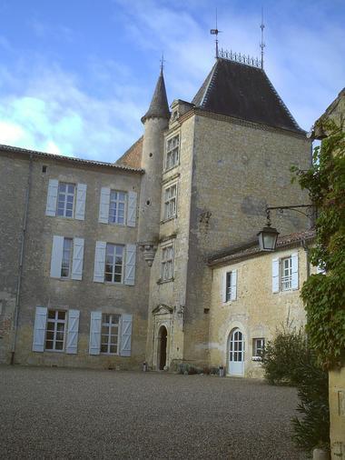 Collection Tourisme Gers/OT Ténarèze/Chateau de Mons