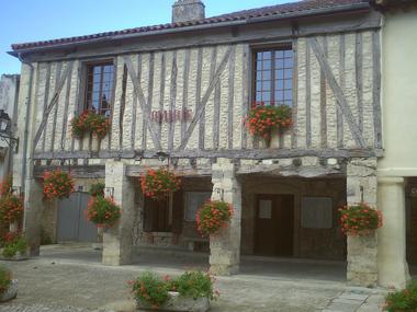 Visite de groupe village de Fourcès