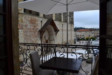 Restaurant Le Balcon face à la Cathédrale Saint-Pierre