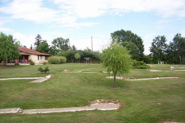 Parc et jardin avec mini-golf