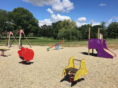 Jeux pour enfants à la base de loisirs de Gauge